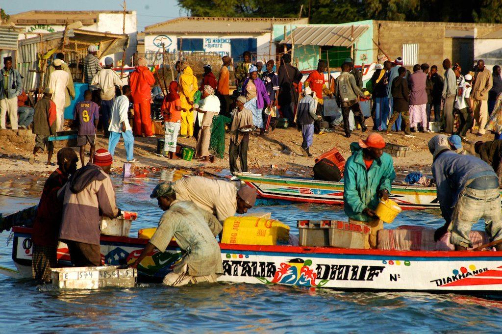 Vertrek met de boot uit Palmarin Senegal