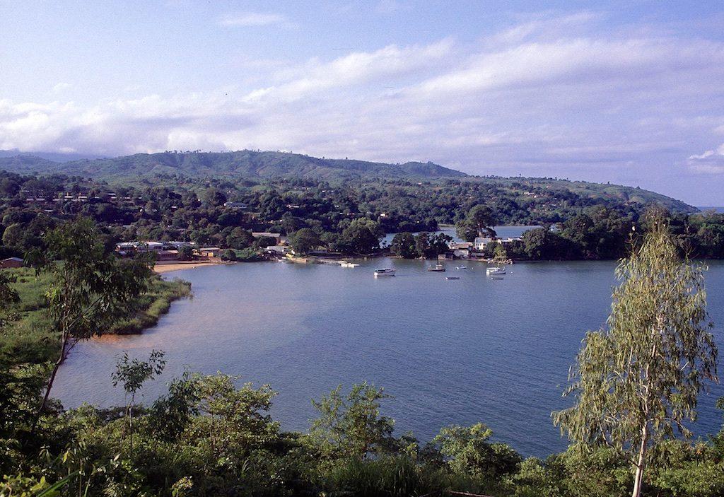 Uitzicht over Nhkata Bay