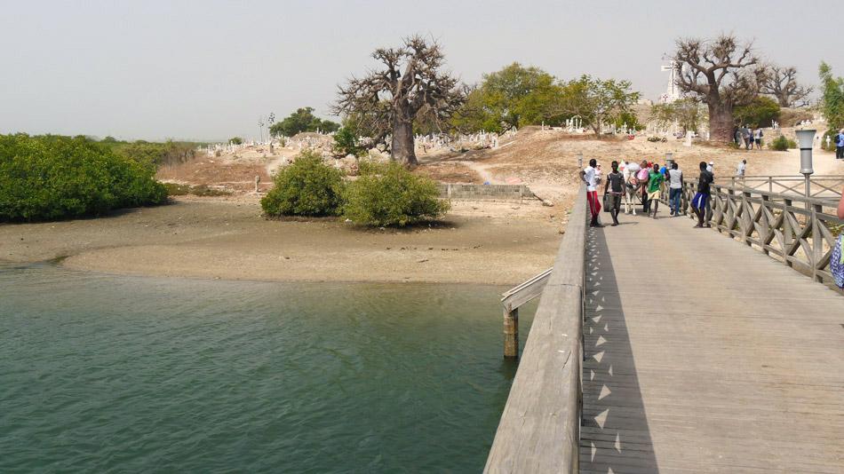 Voetbrug Joal-Fadiouth