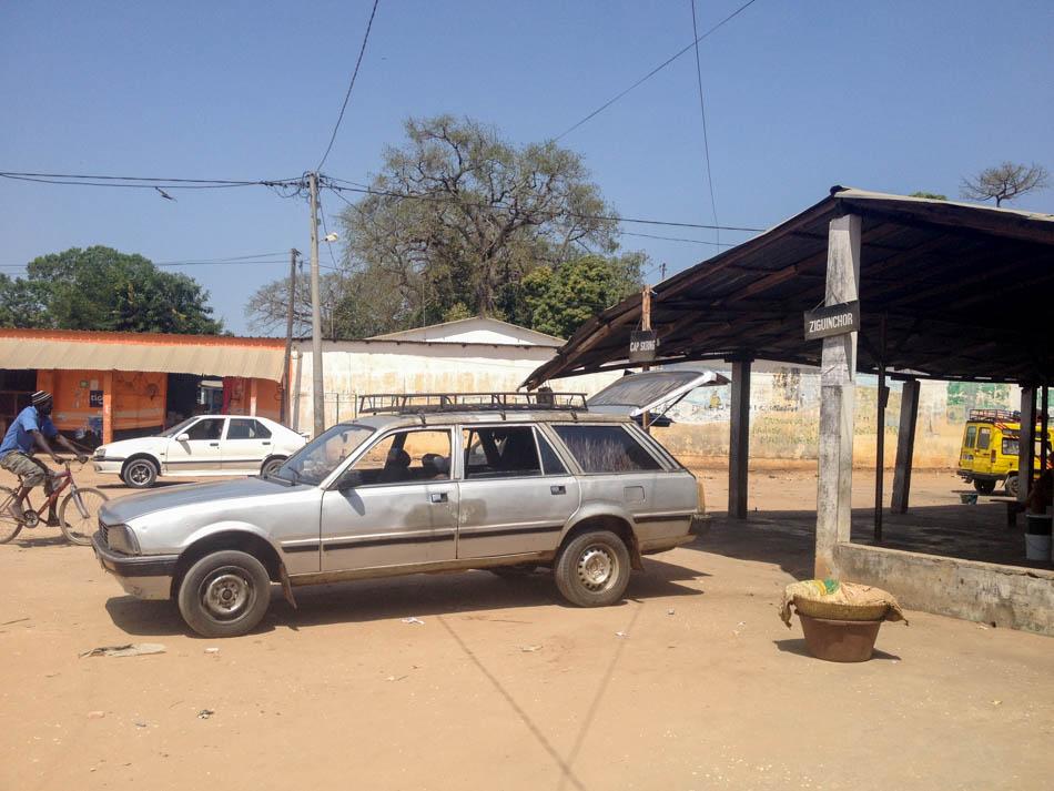Taxi Oussouye Casamance Senegal