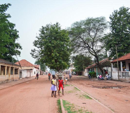 Hoofdstraat Gabú Guinee-Bissau