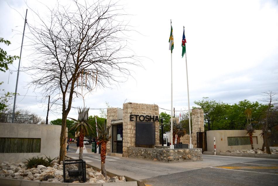 Ingang Etosha Namibië stunningtravel