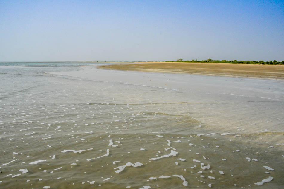 Strand bij Niafarang in Senegal.
