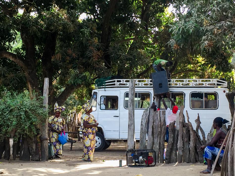 Minibus Thionk Essyl Niafarang Casamance Senegal