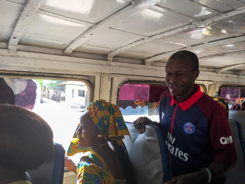 Thionk Essyl bus naar Niafarang Senegal