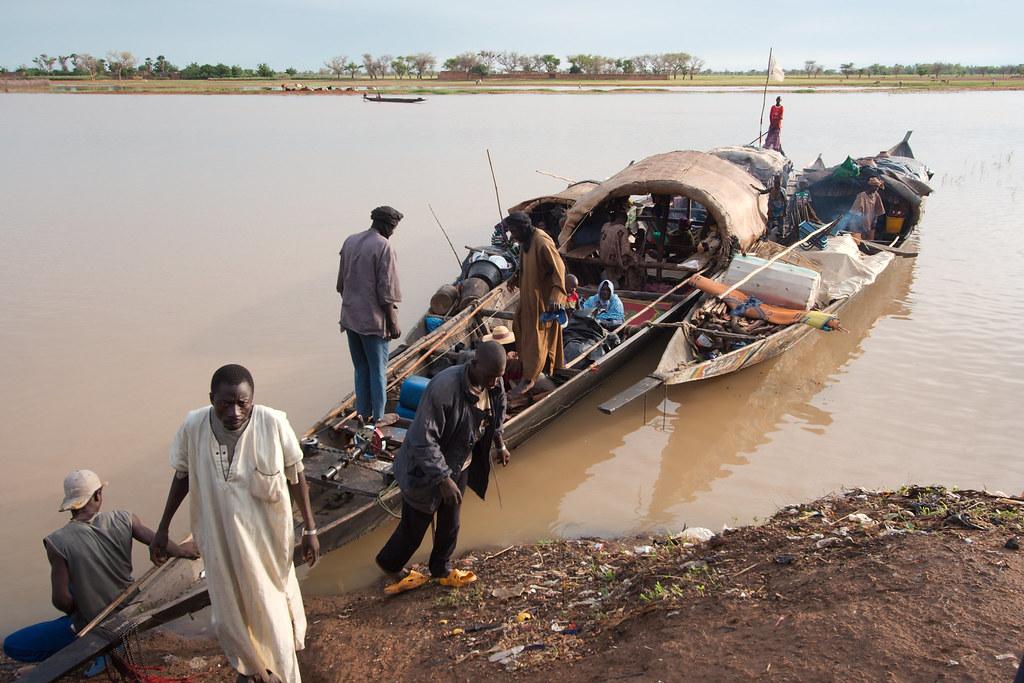 Over de Bari rivier naar Djenne Mali