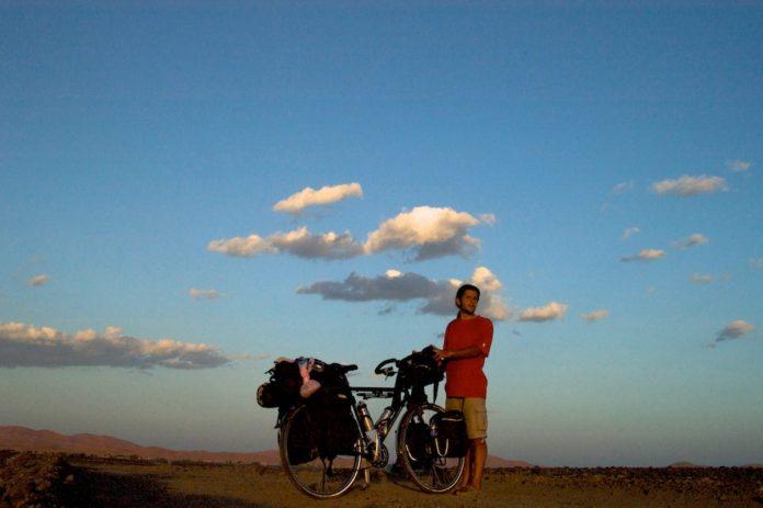 fietsen door de Sahara