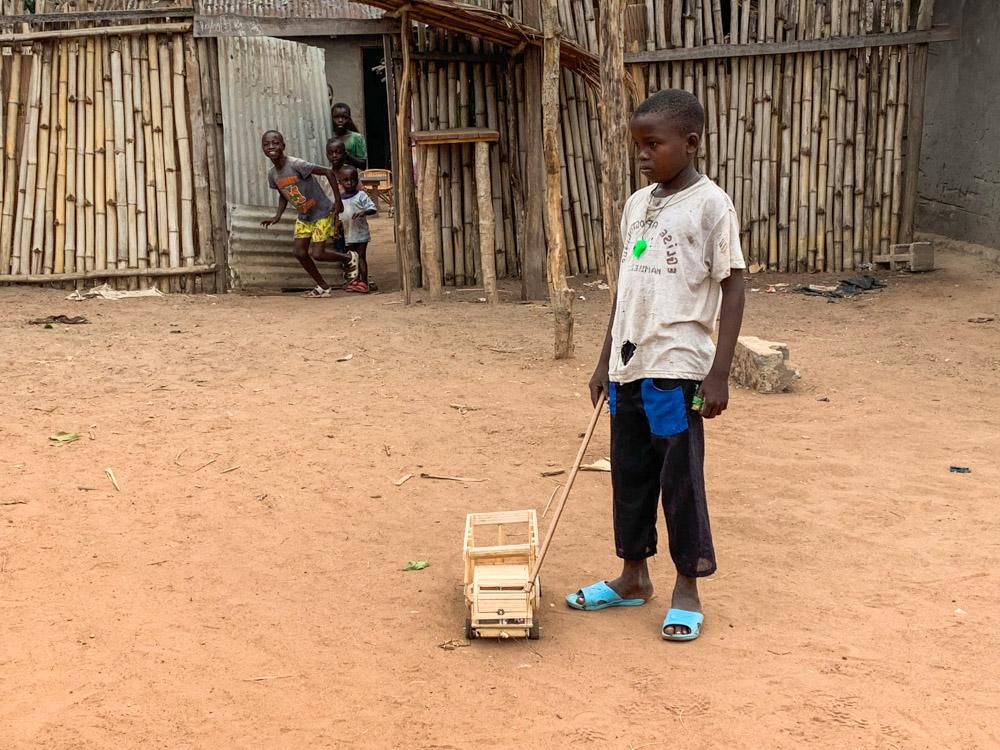 Bayanga Centraal Afrikaanse Republiek speelgoed