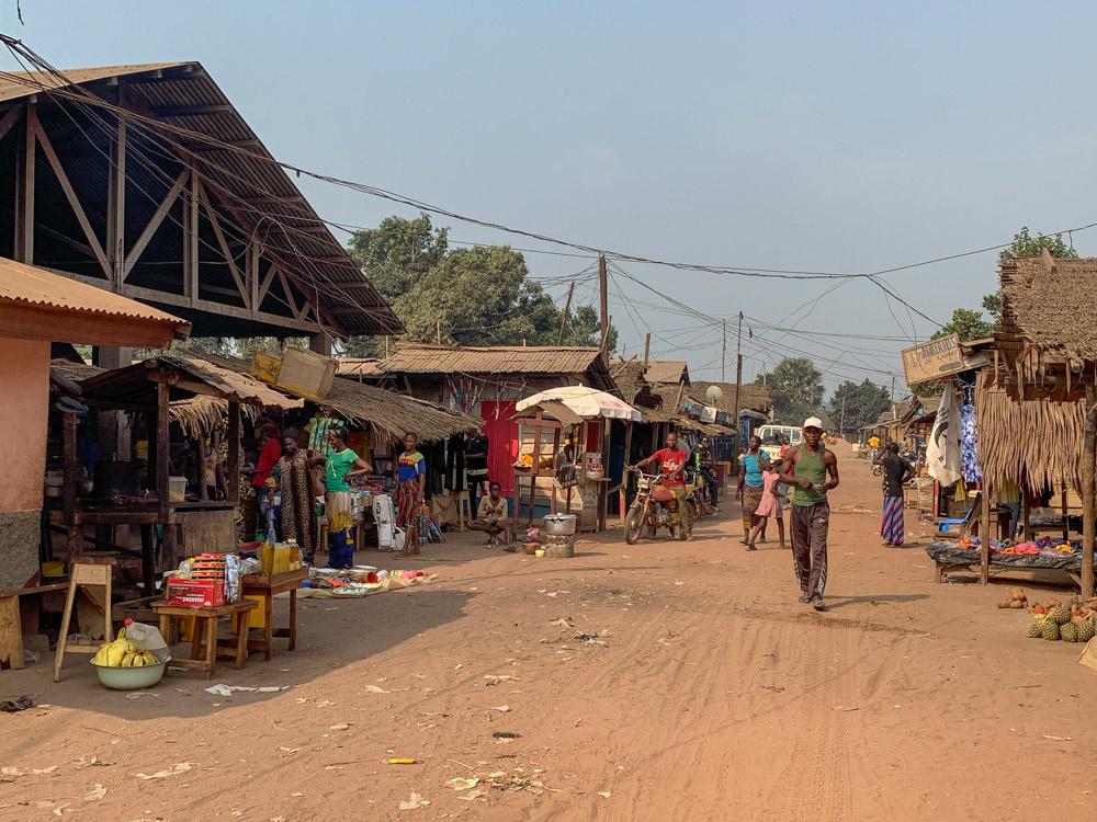 Bayanga markt