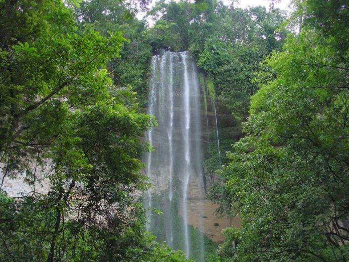 Bridal Veil Falls Guinee